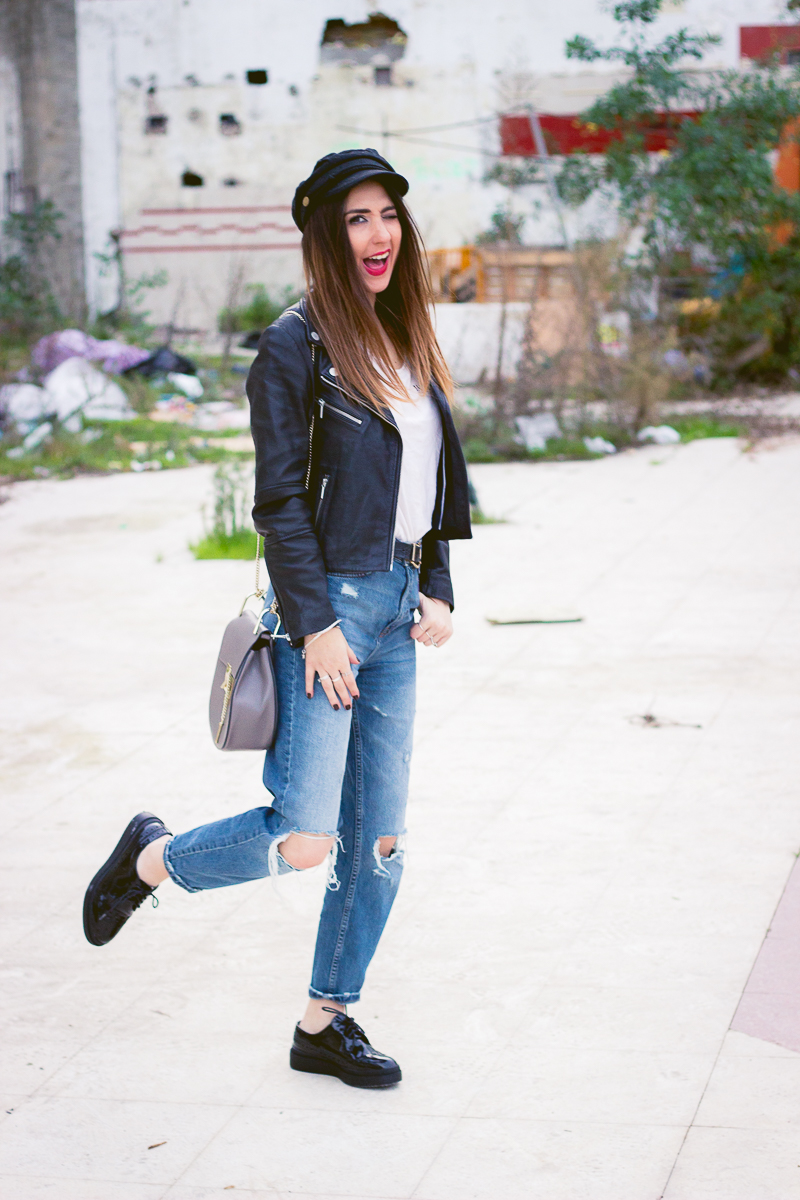 RIPPED MUM JEANS