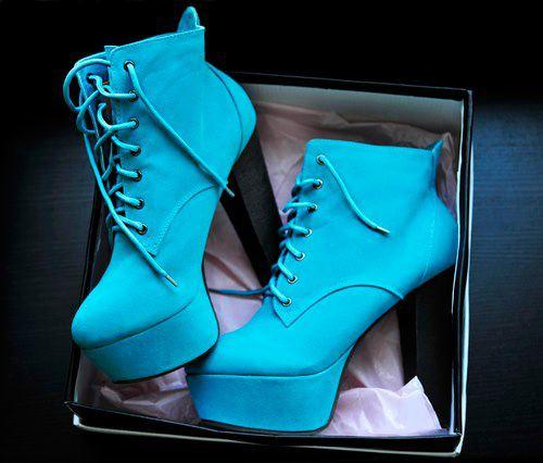 Kışlık mavi platform topuklu ayakkabı
