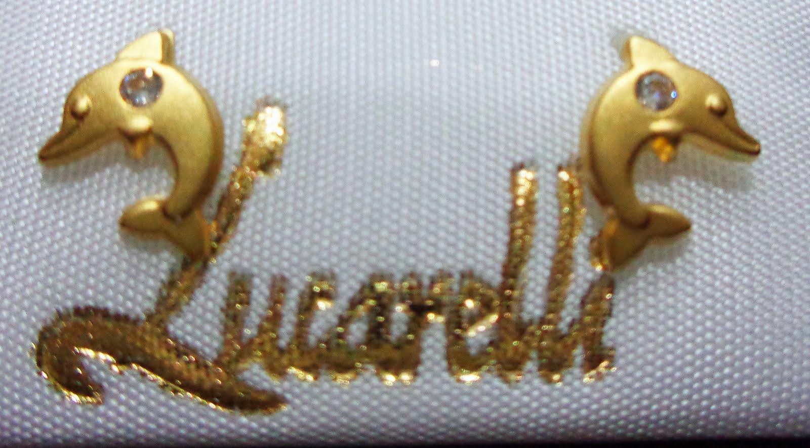 Pendientes de oro con forma de delfín