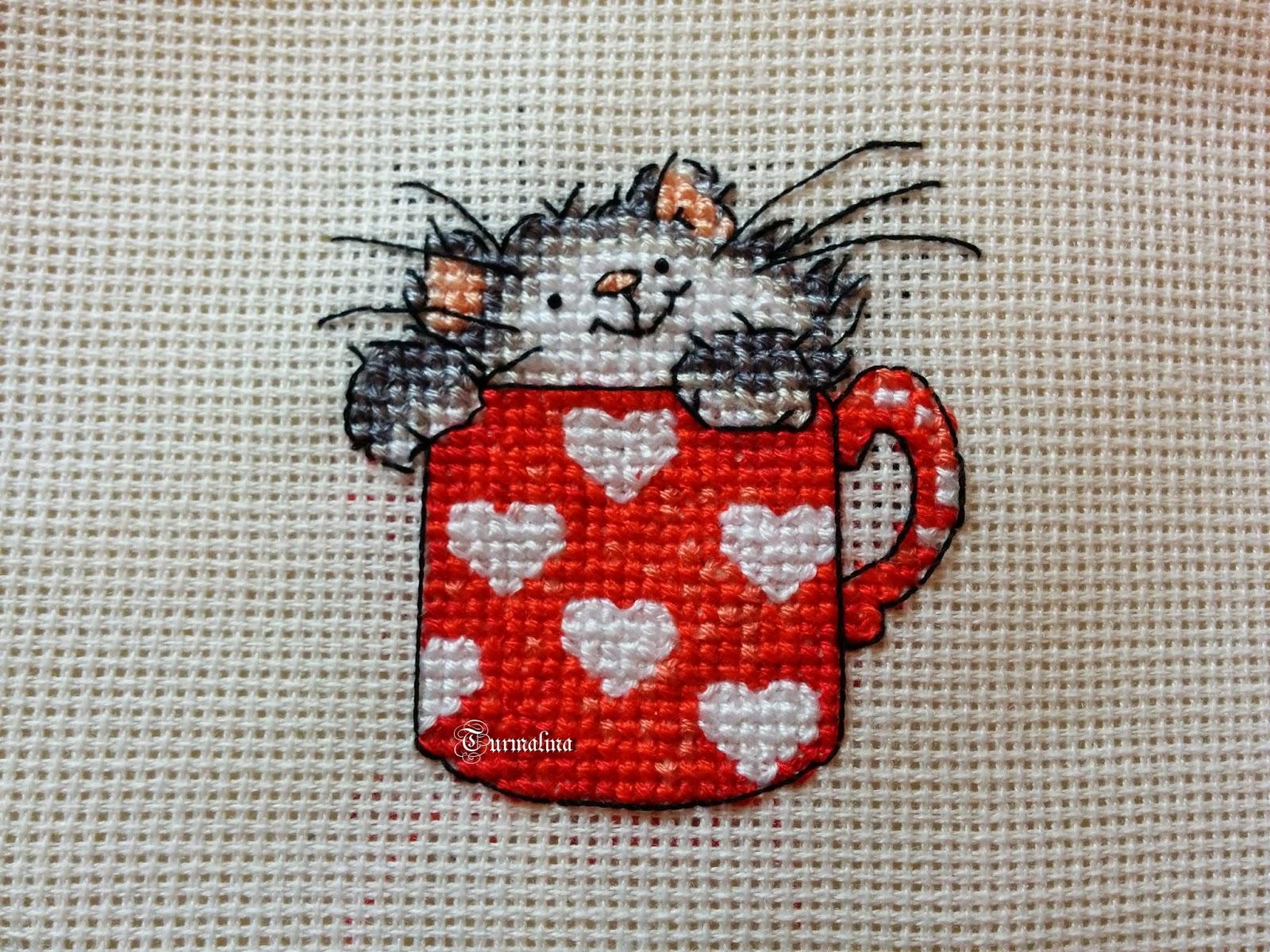 Котята в кружке вышивка