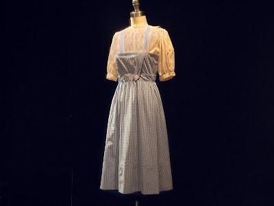 Dorothy's dress wizard of oz