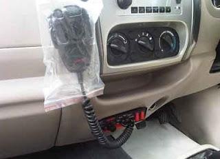 dilengkapi asesoris HT untuk mobil ambulance