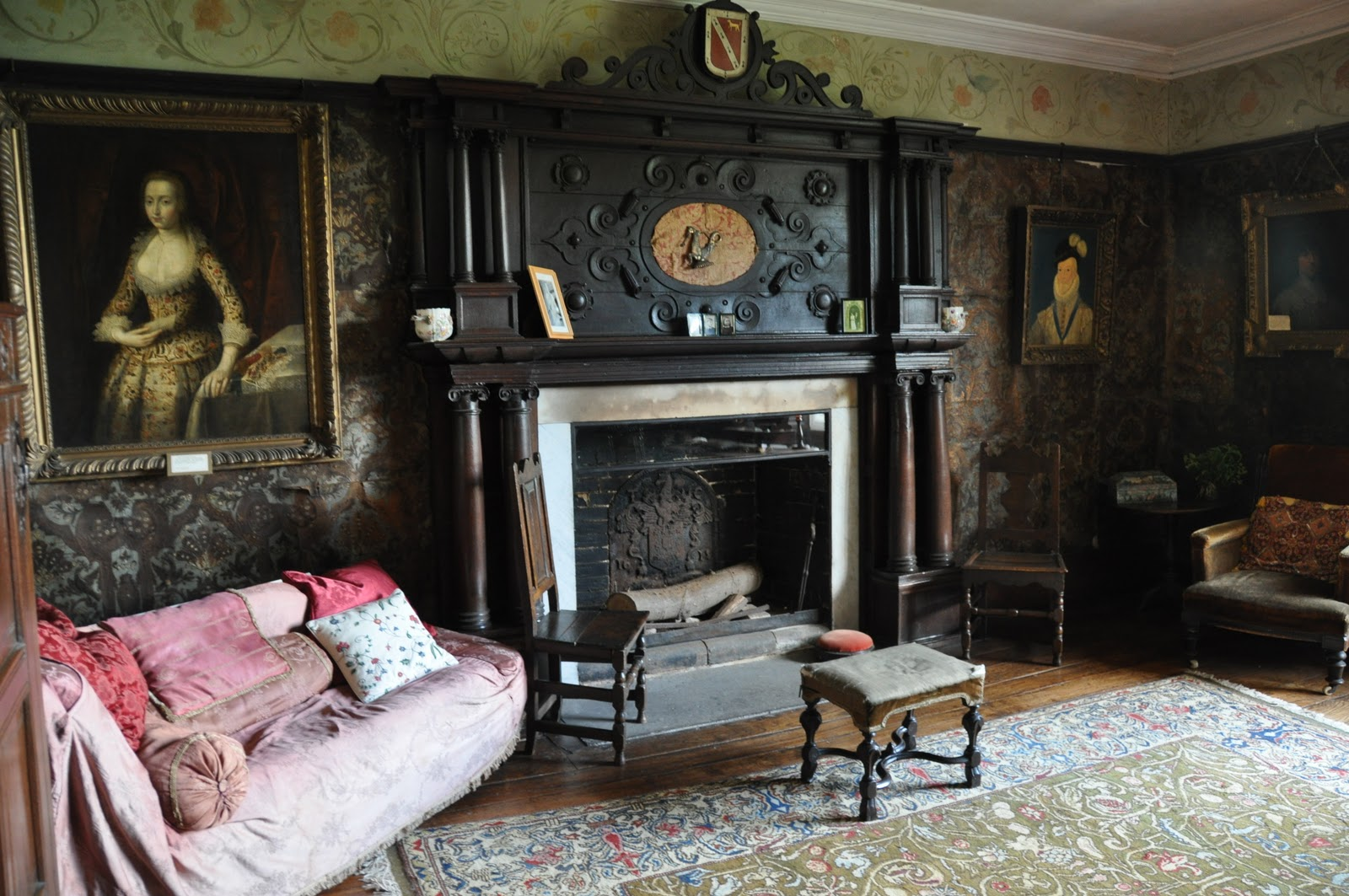 Aurora raby do you love english country house interiors Pictures of new homes interior