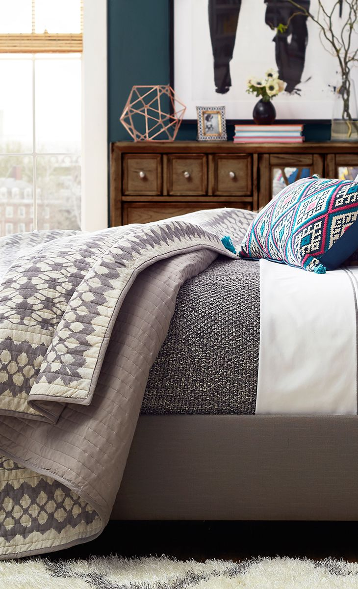 Designing Domesticity Inspiration Monday The Layered Bed
