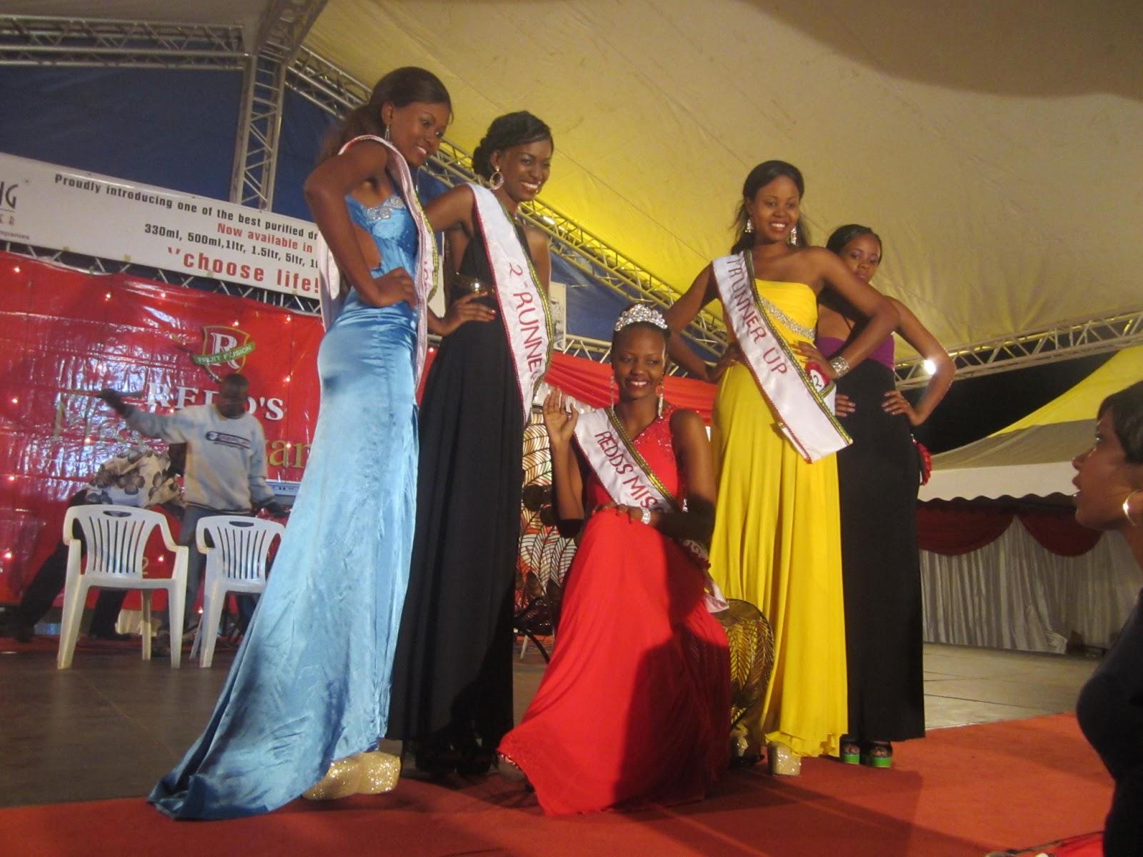 Rasmi wa sherehe za kumsaka mlibwendewa Arusha (Redd's Miss Arusha