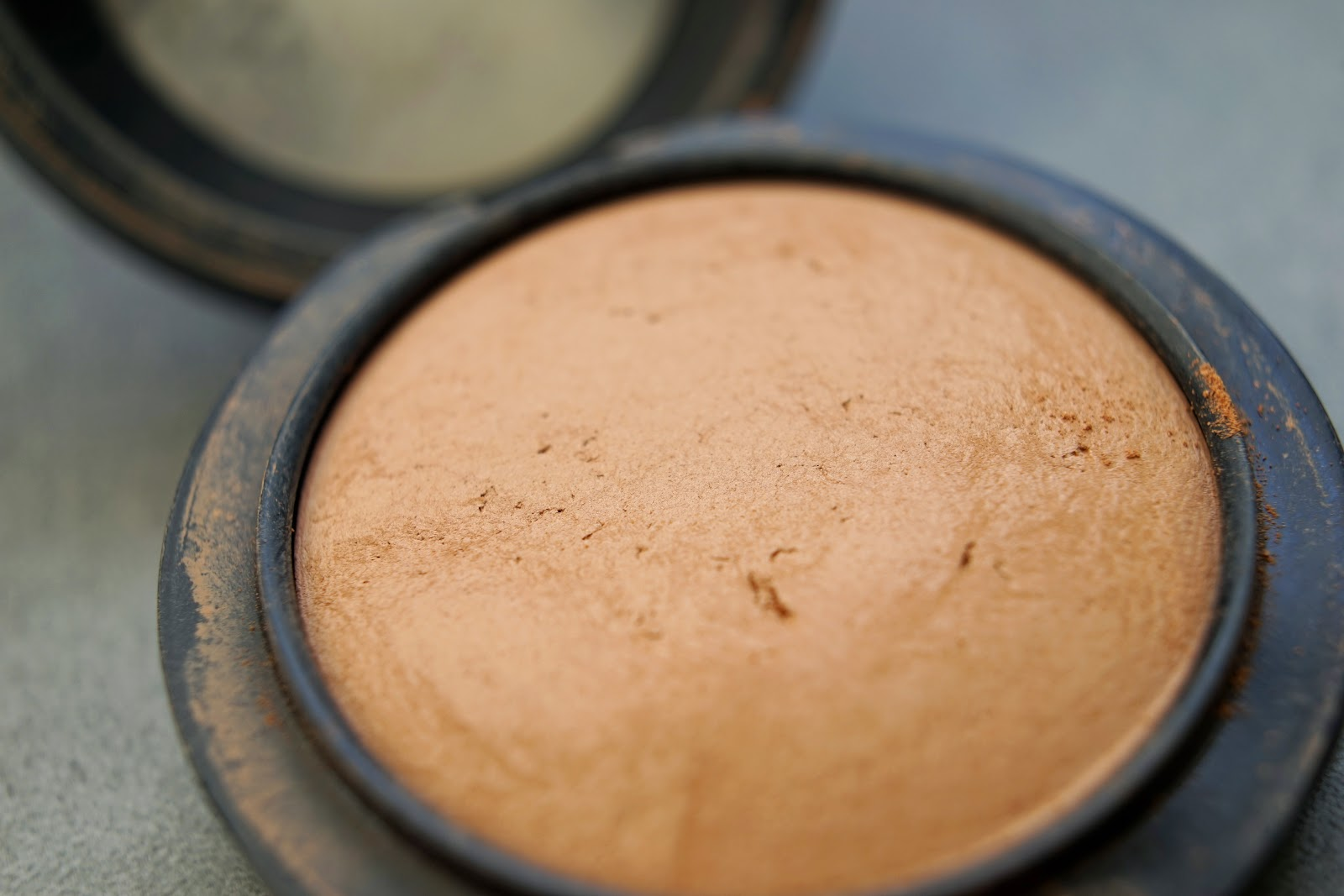 mac medium to dark skin finish natural powder