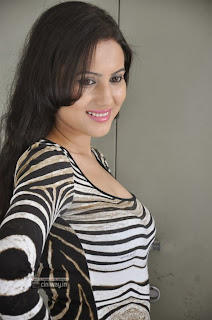Anu-Smruthi-Stills-at-Ishta-Sakhi-Movie-Press-Meet