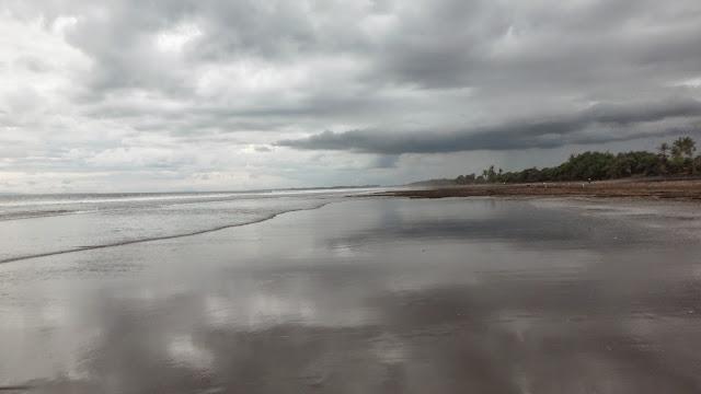 Pantai Rambut Siwi,