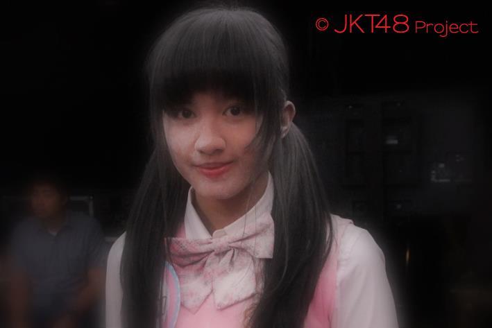 Neneng JKT48 Penuh Tepung at JKT48 Schol episode 8