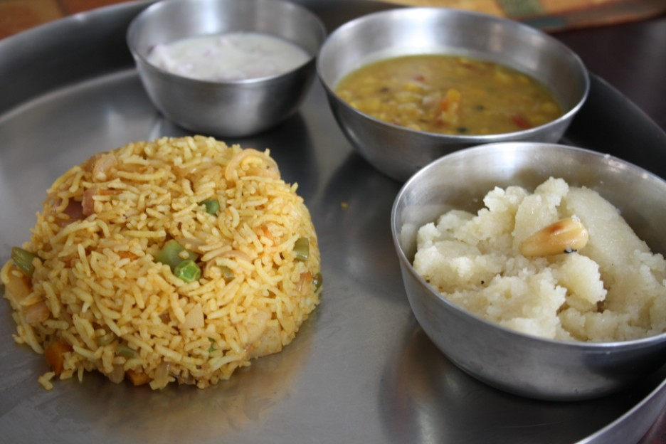 Saffron vegetable biryani zafrani sabzi biryani step by step in that effort i made these three dishes and it was so filling step by step picture recipes forumfinder Images