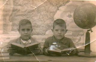 FRANCISCO GÓMEZ CARDENAS Y UN COMPAÑERP AÑO 1946