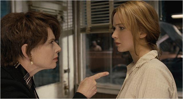 """Isabella Rossellini y Jennifer Lawrence en """"Joy"""""""
