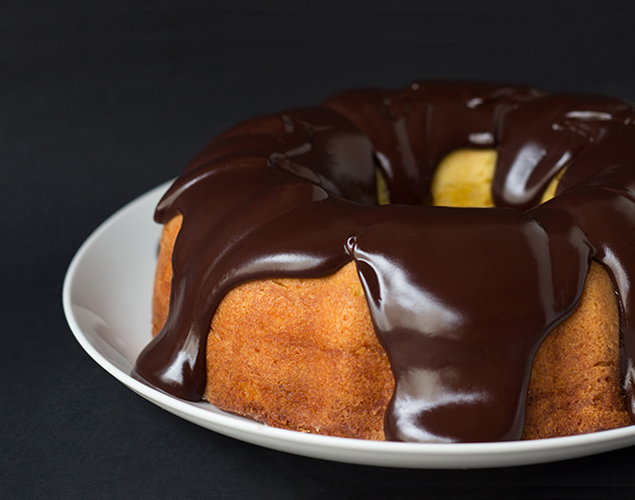 orange-bundt-cake-with-chocolate-ganache-glaze
