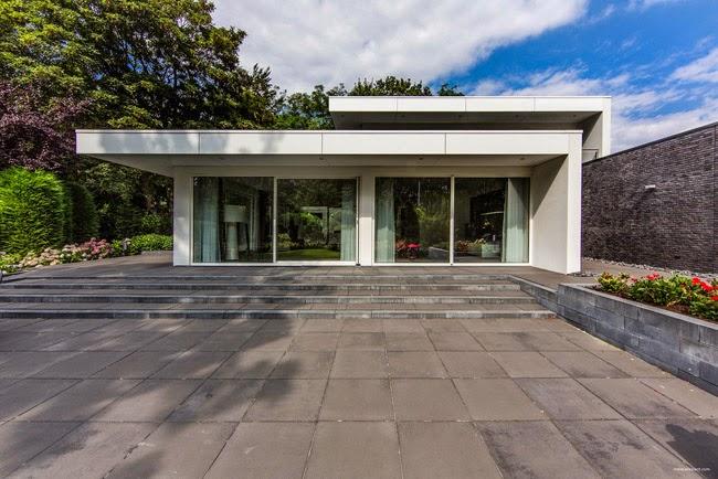 Casas minimalistas y modernas casa moderna en holanda for Casa moderna 9 mirote y blancana
