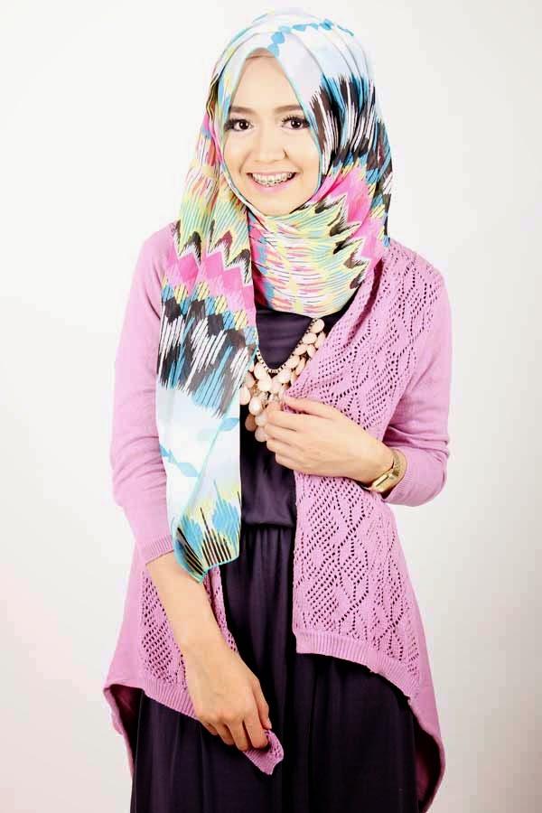Trend 4. Model Hijab Modern Cantik Ala Dini Djoemik image