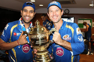 Rohit-Sharma-Ricky-Ponting-poses-with-trophy-MI-Win-IPL-2013