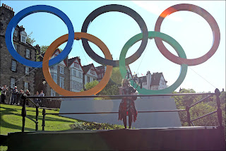 Next London Olympics 2012 : Giant Olympic Rings Launched in Edinburgh