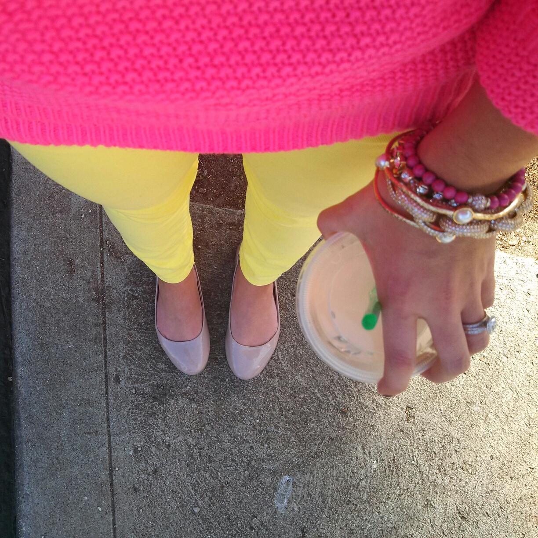 http://1.bp.blogspot.com/-jRCLQLzVHok/UQAwoksF5EI/AAAAAAAAFZI/H4qt84Iw248/s1600/J.Crew+Citron+Toothpick+Jeans+H&M+Hot+Pink+hi+lo+sweater+Vintage+Dooney+Bourke+Crossbody+Bag+How+To+Wear+Bright+Colors+.jpg