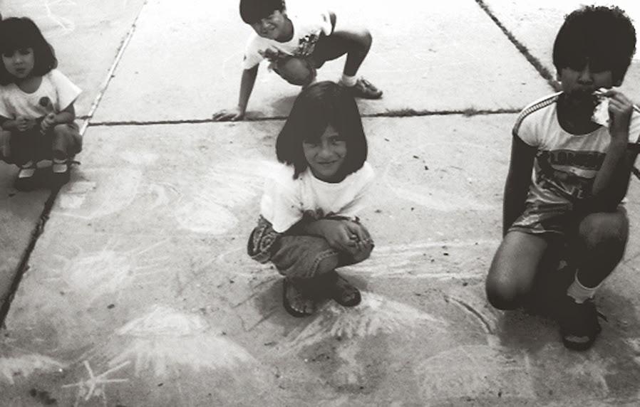 1era. Experiencia creativa del autor con niños rayando libremente / 1988 / Mérida - VZLA