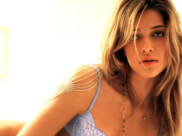Ana Beatriz Barros HD Wallpaper -07