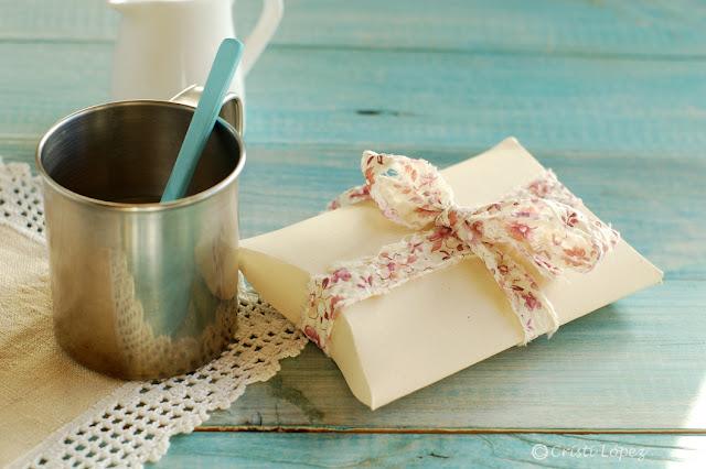 paquete con cartulina