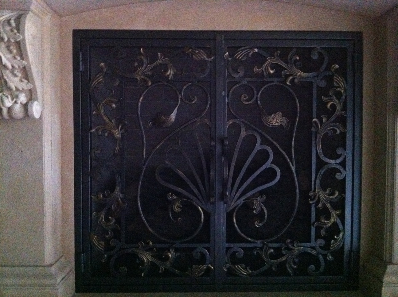 wrought iron maiden the french fireplace screen. Black Bedroom Furniture Sets. Home Design Ideas