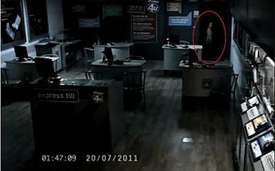 Hantu Gadis Misterius