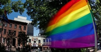 Terifiant, deși explicabil!! 4 din 10 homosexuali tineri din SUA au avut gânduri de suicid în 2019