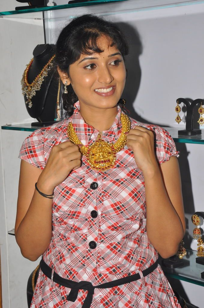 http://1.bp.blogspot.com/-jSpDtYOSn_0/ThAKmOsIRhI/AAAAAAAAbs8/pORii1nRbo0/s1600/actress+bhanu+mehra+photo+gallery+1.jpg
