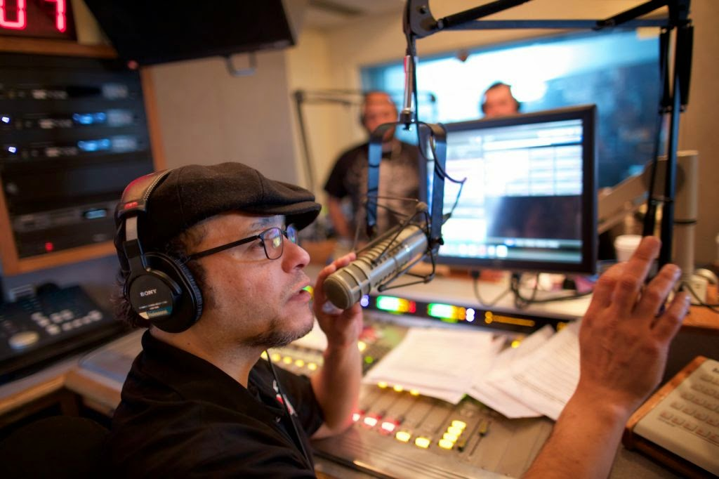 JOSEPH CACERES: La pista est� caliente en la radio matutina de ...