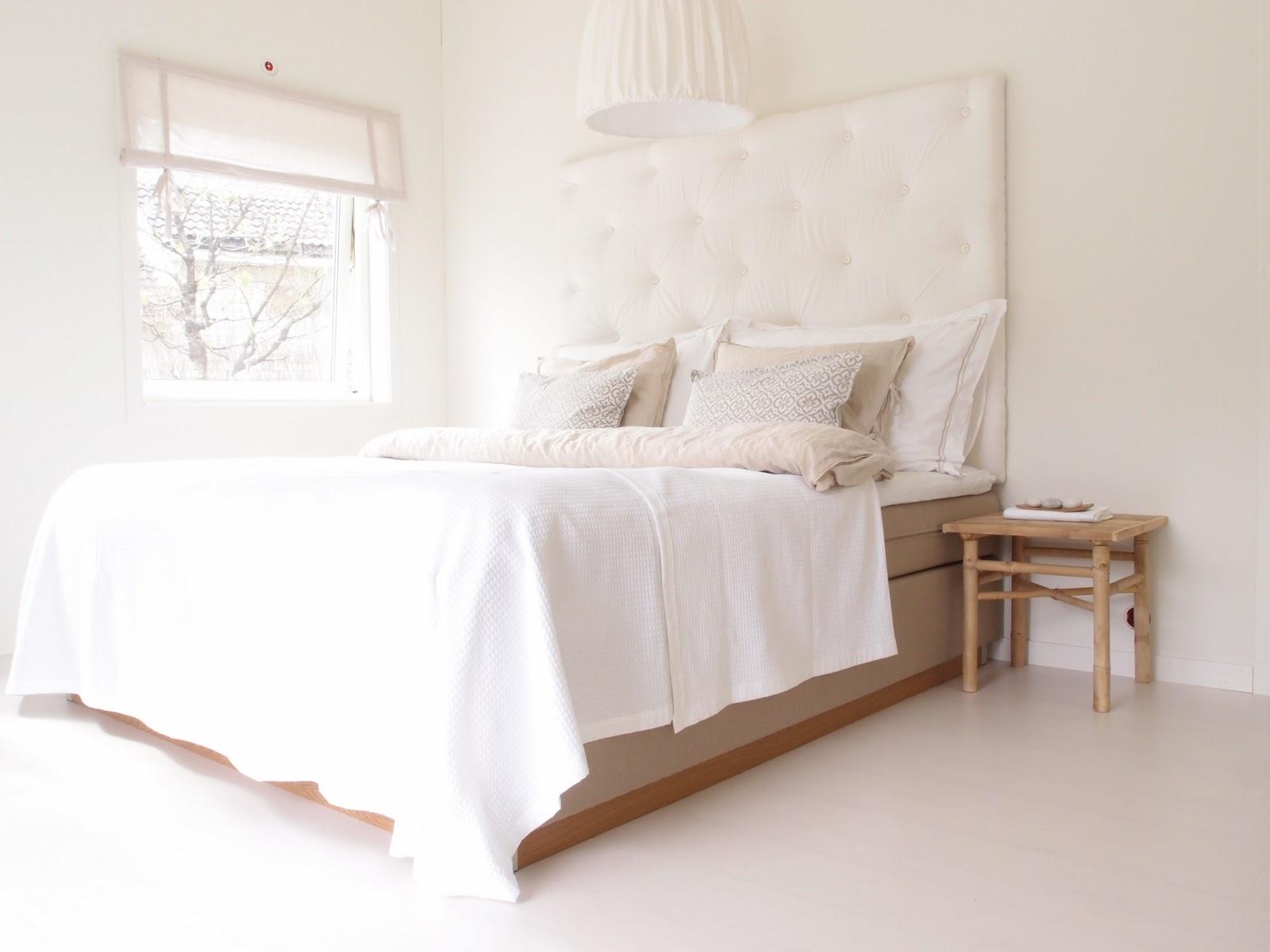 Blanco y madera un dormitorio para so ar