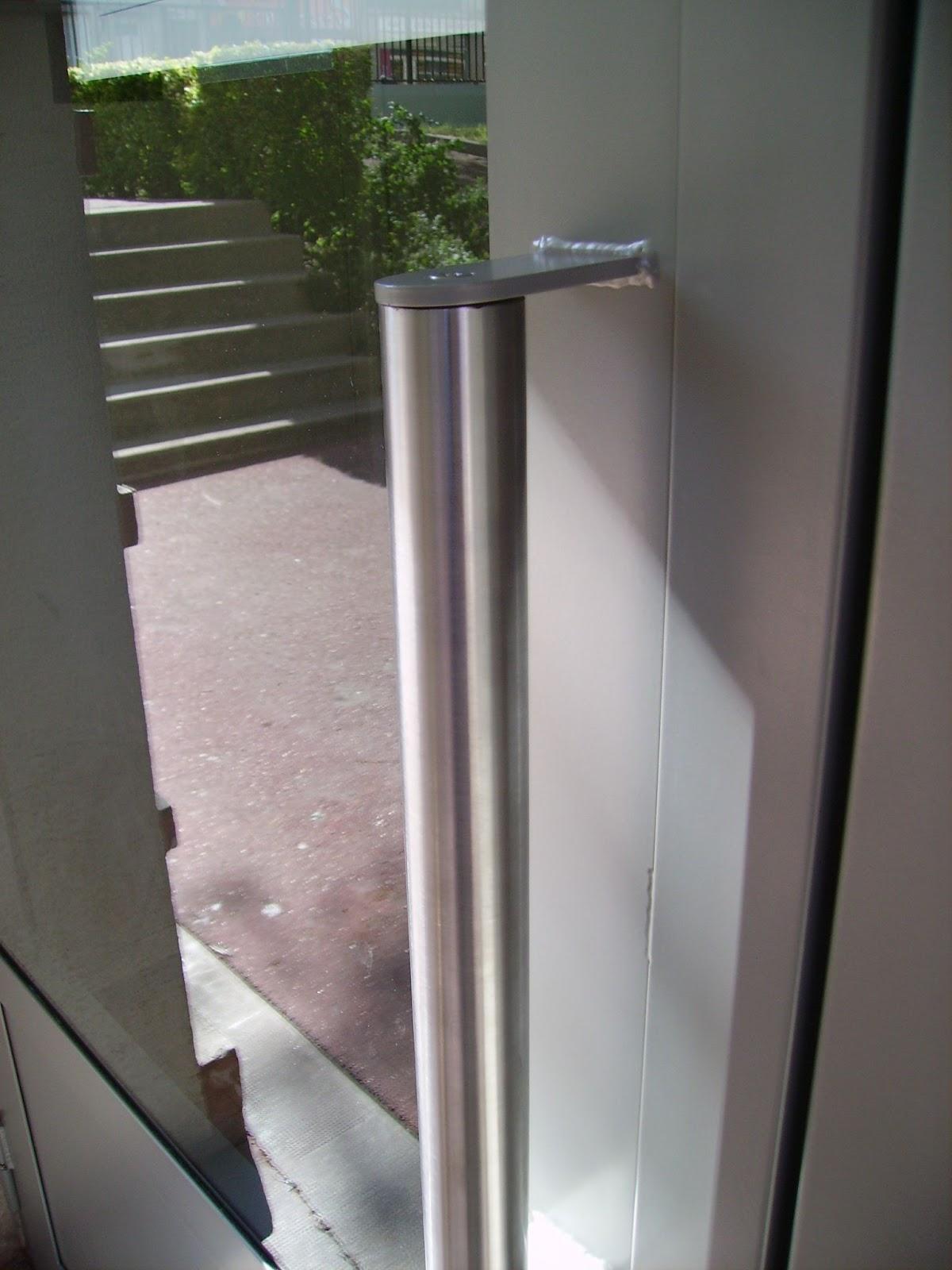 Locataires14 nouvelles portes de hall d 39 escalier for Porte normale