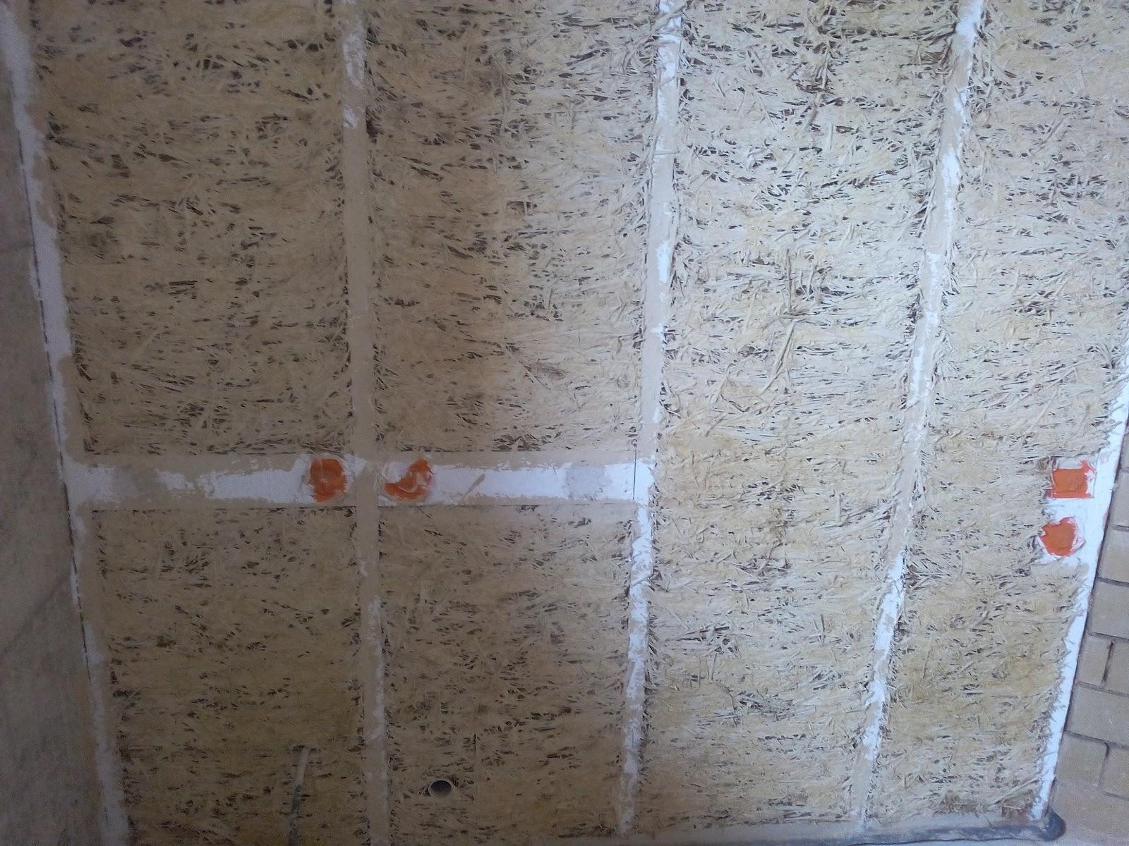 dans la salle de bain nous avons ajout un peu de chaux hydraulique nhl35 dans le mlange pour faire une accroche transitoire entre terre paille et enduit - Enduit A La Chaux Salle De Bain