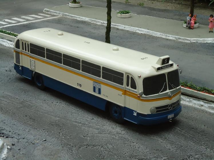 MERCEDES-BENZ O-321