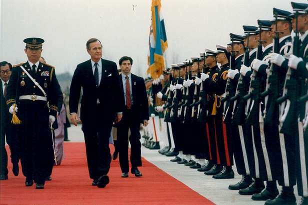 SA Lew Merletti with President George H W Bush