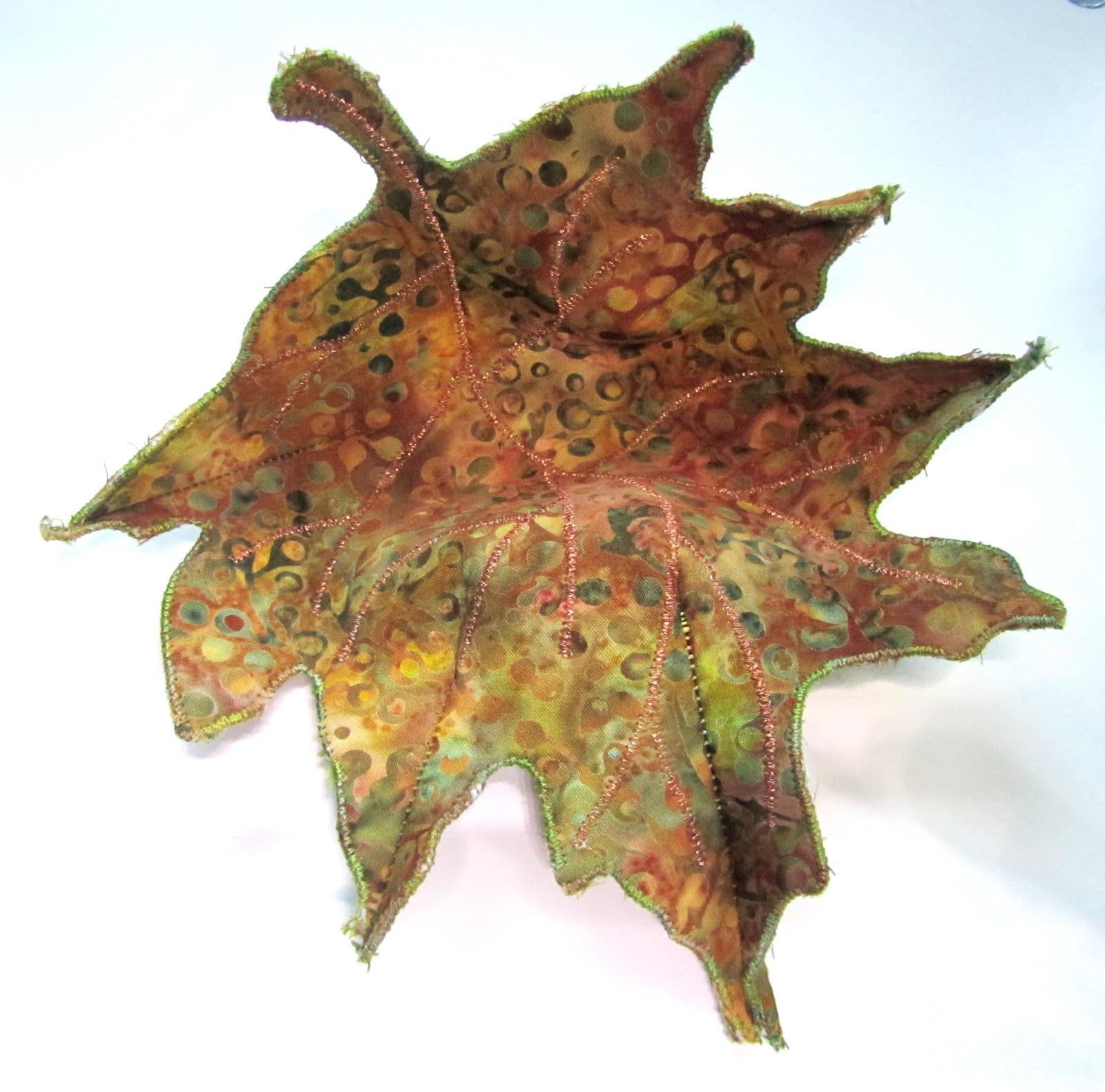 Metallic thread leaf bowl