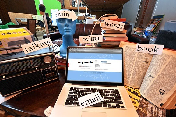 What are the Advantages of an Online Dictionary?