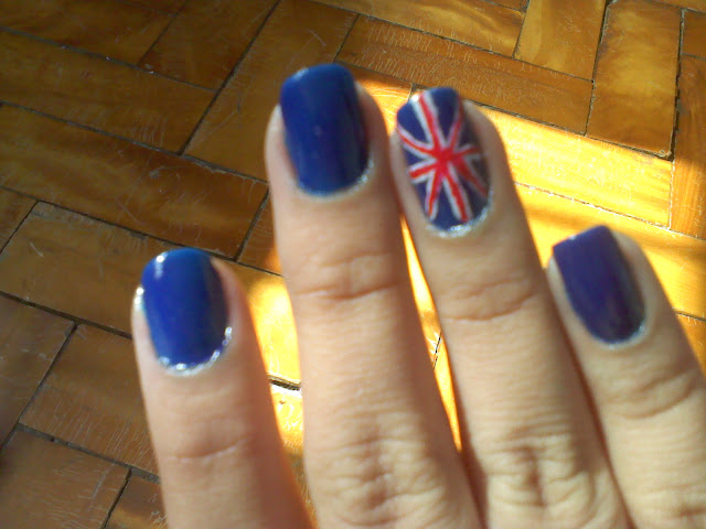 [Quarta da Leitora] Raquel, com nail art: Bandeira da Inglaterra
