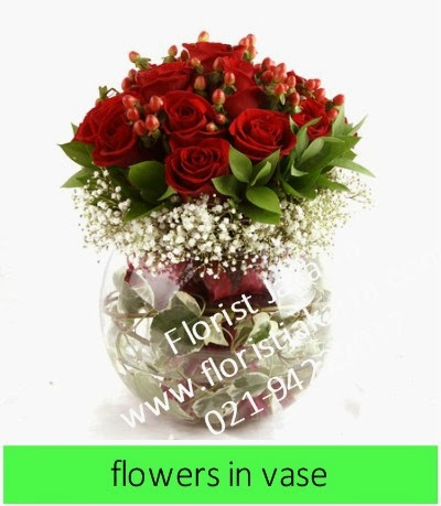 Bunga Mawar Dalam Vas