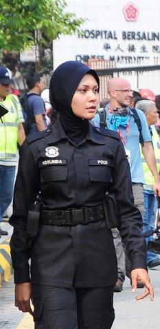 """Polis Jadi """"Penyambut Tetamu"""" di """"Dataran DBKL"""" Esok. Mungkinkah Polis"""