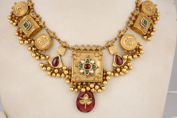 indian gold short clothing jewellery elegant temple and haram necklace