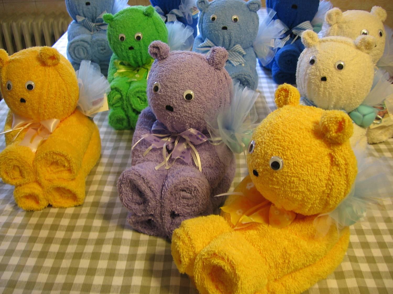 A me piace cosi 39 bomboniere solidali orsetti con asciugamani for Animali con asciugamani