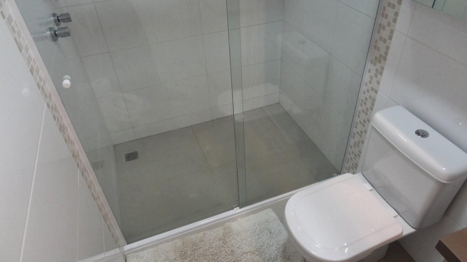 ao acabamento: Lavabo Social e Banheiro da Suíte Casal Reta final #605149 1600x900 Acessorios Banheiro Perflex