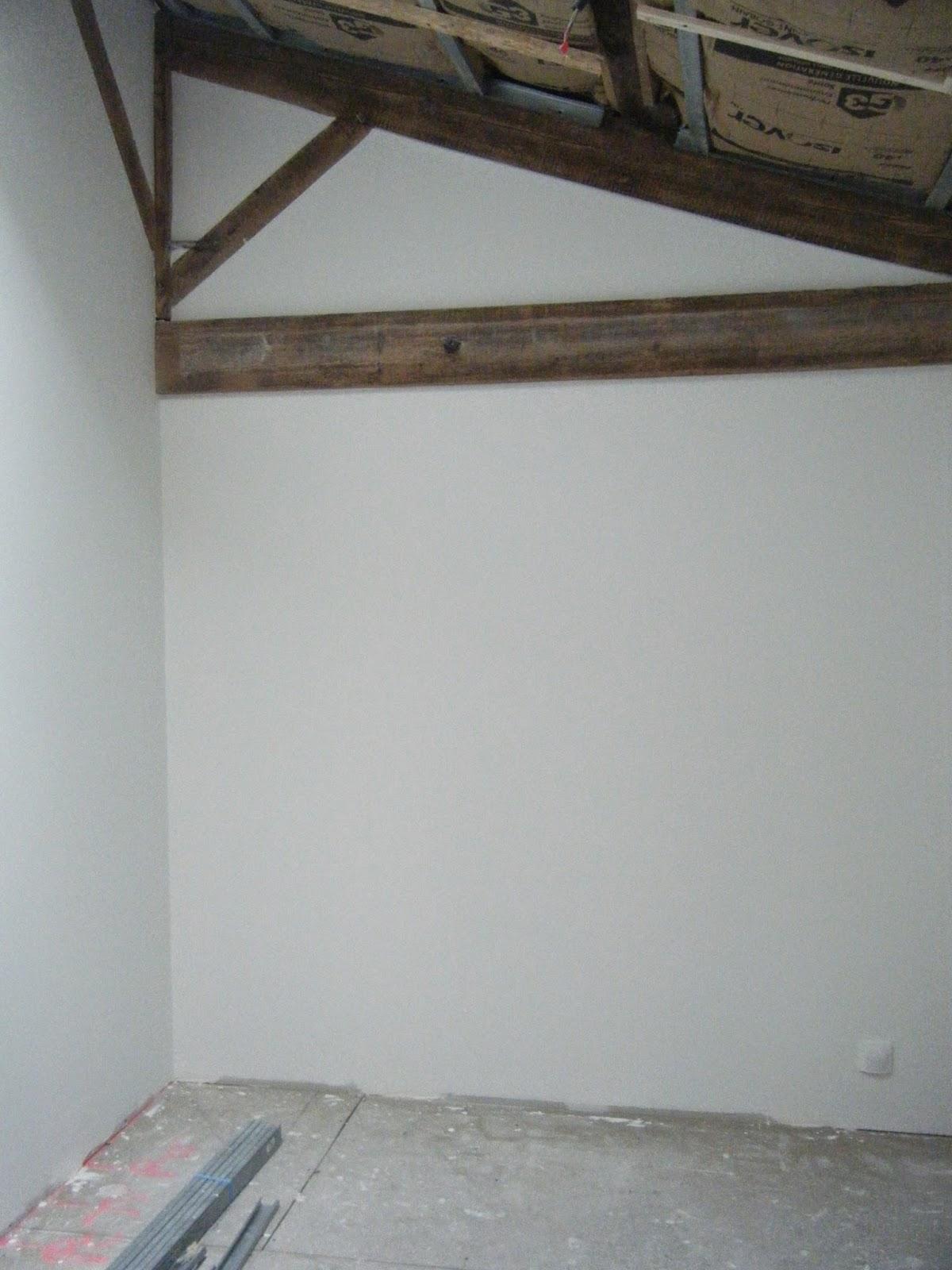 la grange de la boisseli re peinture termin e sur les murs de deux chambres et le couloir cage. Black Bedroom Furniture Sets. Home Design Ideas