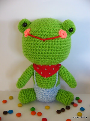 gift presents for kids and more: free amigurumi frog pattern ( mr.frog )