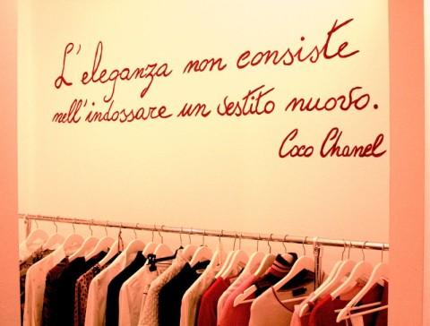 L'eleganza non consiste nell'indossare un vestito nuovo Coco Chanel