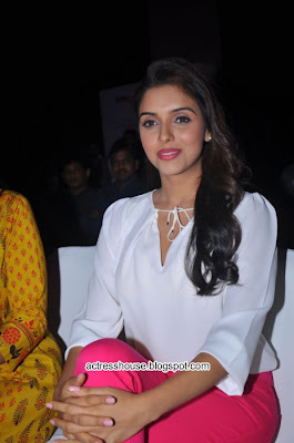Asin at Fair & Lovely Expert Express launch