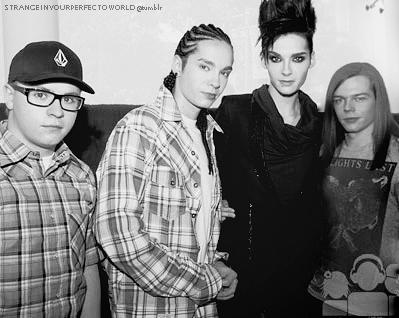Tokio Hotel en Singapur [Mayo 2010] 374c89b3b81e2c85b76a05fbfd9d9b29