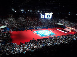 As finais do campeonato mundial tiveram a estrutura de um show.