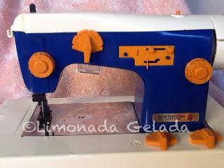 mini maquina de costura